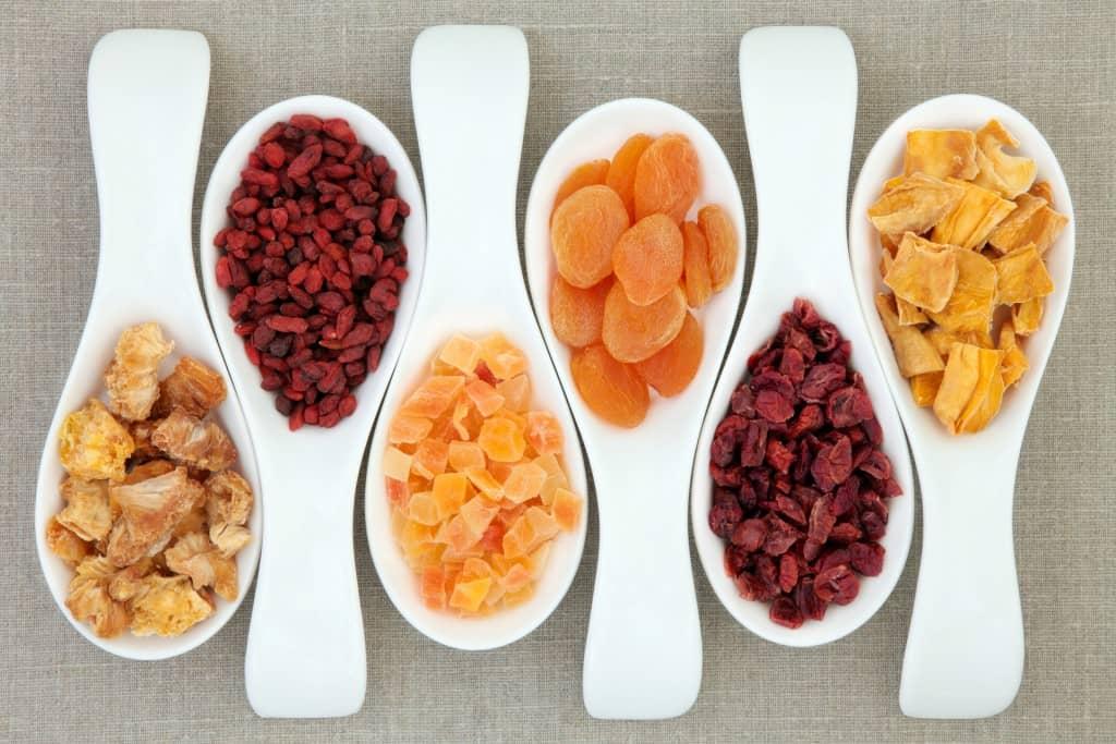 Чем полезны сухофрукты для похудения и как правильно их употрелять
