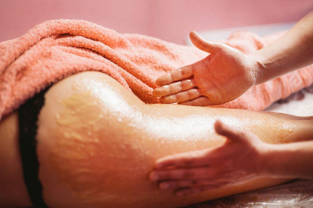 Чем хорош медовый массаж и как правильно его делать