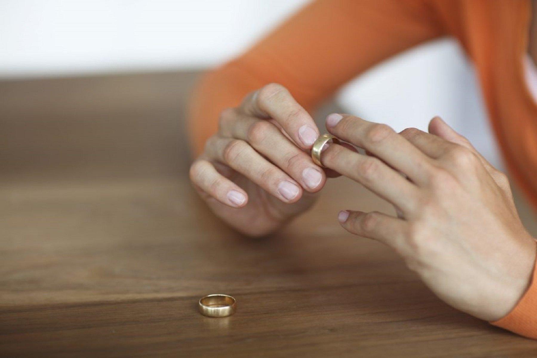 Как пережить развод безболезненно: советы для мужчин и женщин