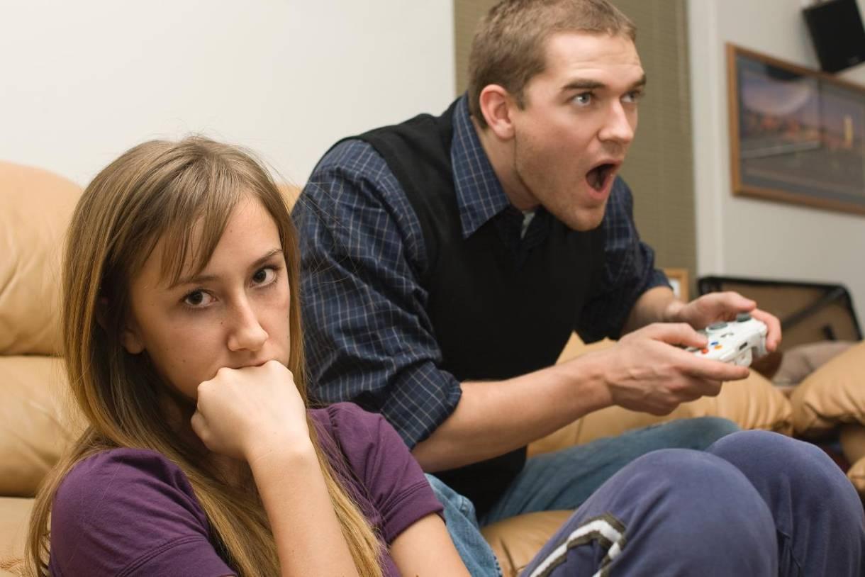 Как понять, что муж стал игроманом: признаки и советы психологов