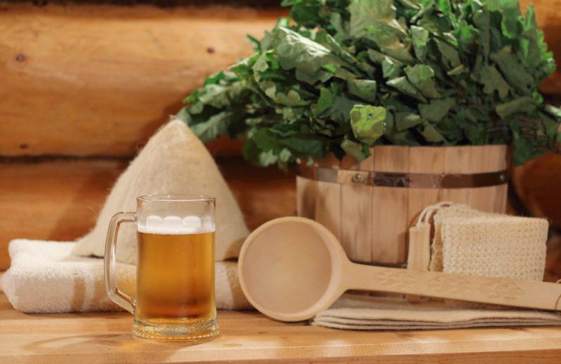 Баня и алкоголь, можно или нельзя: разбираемся как сочетать спиртное и парилку